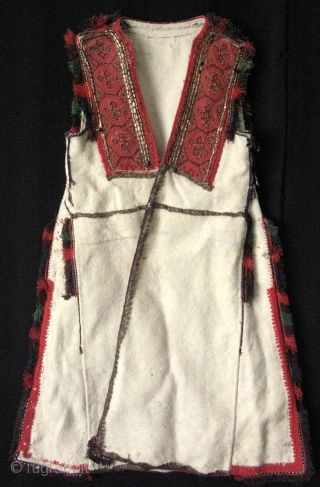 """Greek coat, early 20th century. Size: From top to bottom 33"""", shoulders 13"""" skirt 23"""" (84cm - 33cm - 58cm)."""
