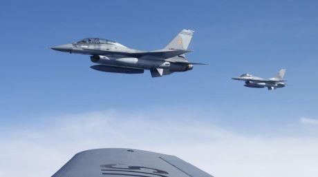 Prima misiune deasupra României a noilor avioane F-16 Fighting Falcon (FOTO)