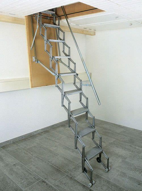 Les 25 meilleures id es de la cat gorie echelle for Escalier escamotable grenier