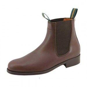 botas marrones de madera