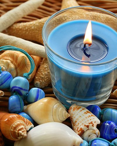 Blue   Blau   Bleu   Azul   Blå   Azul   蓝色   Color   Form   Texture   shells and candle