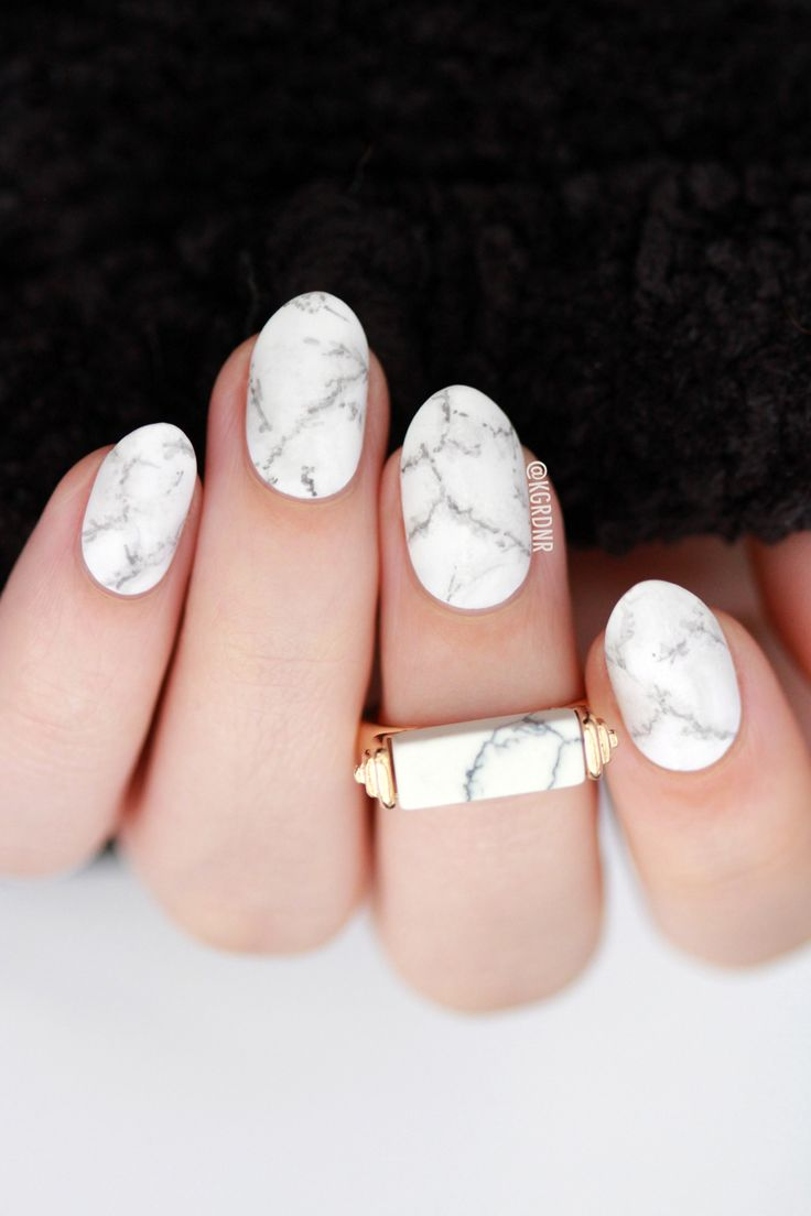 White Marble Nail Art | Lacquerstyle.com