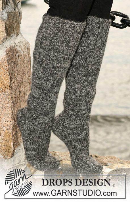 "Long DROPS socks in stockinette stitch with wide rib in 2 threads ""Alpaca"". ~ DROPS Design"