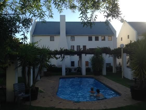 Internship and studying in Stellenbosch South Africa. Check out: http://www.go-placements.com or http://www.stage-afrika.nl