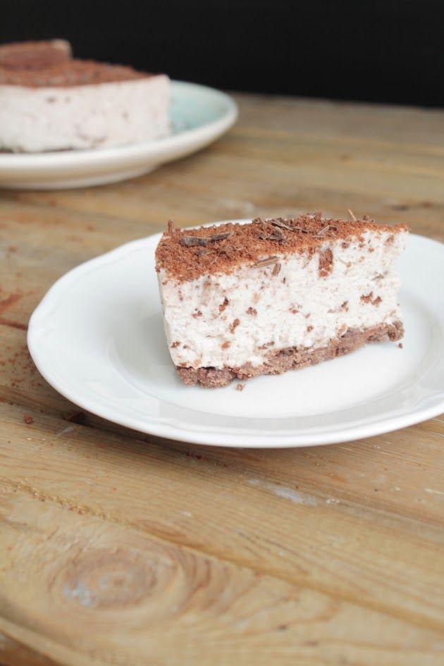 Leivonta suklaa kakku pulla leipominen herkut kuppikakku sokeri leipä