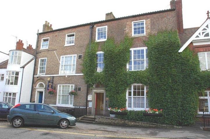 Skeldale House (The World of James Herriot Museum): Thirsk, Yorkshire UK-to pay a visit to James, Seigfried and Triss (and Mrs. Hall and Helen too)!