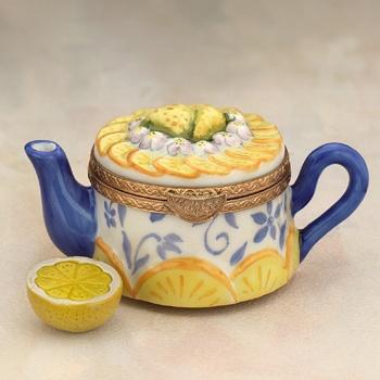 Limoges teapot with lemon