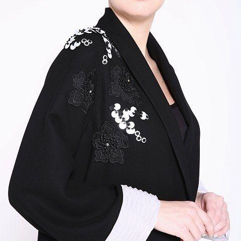 Elegant floral embellished that is perfect for day or night! . .  #effafashion #effaaldabbagh #dubaidesigner #fashion #dubaifashion #abayablogger #hijabfashion #hijab #abayas #dubaiabaya #uaeabaya #qatar #dubai #saudi #kuwait #riyadhabaya #saudistyle #online #shoponline #freeshipping #abayaonline #shopabayaonline #dubaifashion #designerabaya #modernabaya
