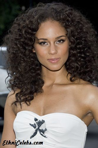 Alicia Key's has an Italian heritage. I like the long curly look in this photo.