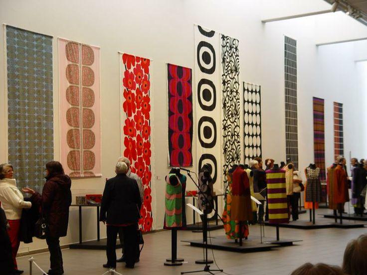 Marimekkoelämää -60 vuotta värejä, raitaa ja muotoja | Meri-Lapin Museot