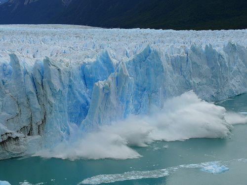 El glaciar Perito Moreno, situado en Argentina,