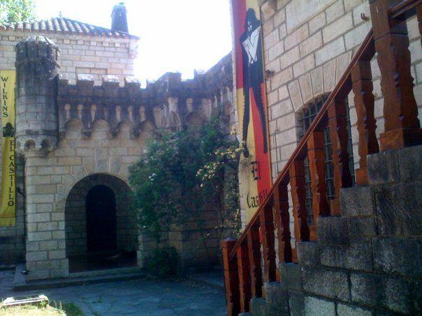 Viajemos al campo y .... Algo más: Los castillos de Argentina. Viajamos a Tanti Cordoba, El Castillo de Wilkins, Castillo San Alberto
