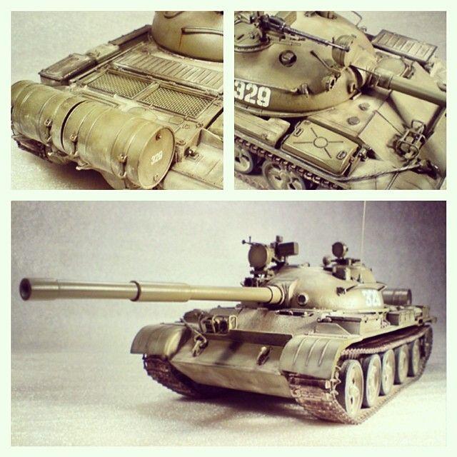Т62А by Tamiya. Советский средний танк. Создан на базе танка Т-55. Производился с 1961 по 1975 год. Масштаб модели: 1/35 Длина в собранном виде: 286 мм. Особенности модели: низкая стоимость; возможность установить в танк мотор со сборным редуктором на батарейках; рабочие люки; виниловые гусеницы; простая сборка; фигурка танкиста.
