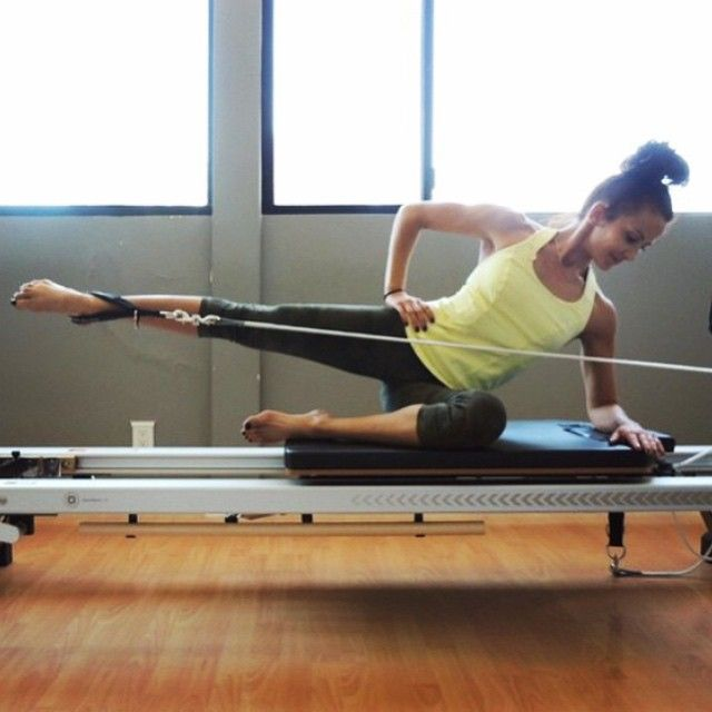 Now this is how you work your butt! The ever inspiring Giggi… by @pilates_reformer_love - PICBI