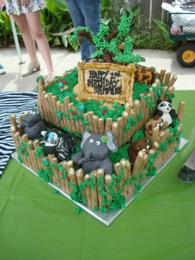 Zoo Cake By smpvogt on CakeCentral.com
