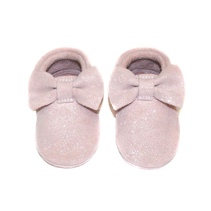 Little Lambo's brand new fairytale collection this season is unique! It's impossible not to fall in love with these beautiful handmade baby girl moccasins with a special glittery leather. Time for that party dress!