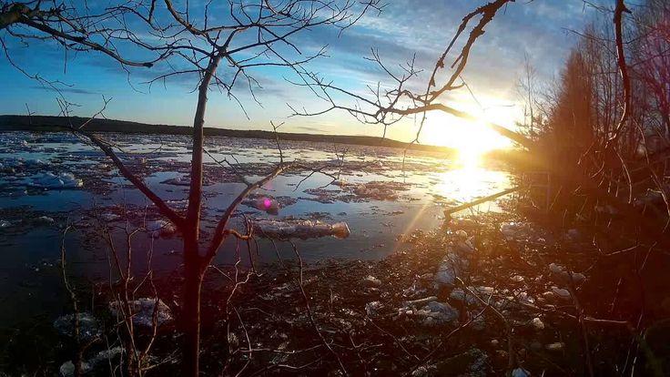 Thawing of the Kemijoki river Rovaniemi, Lapland / Deshielo rio Kemijoki...