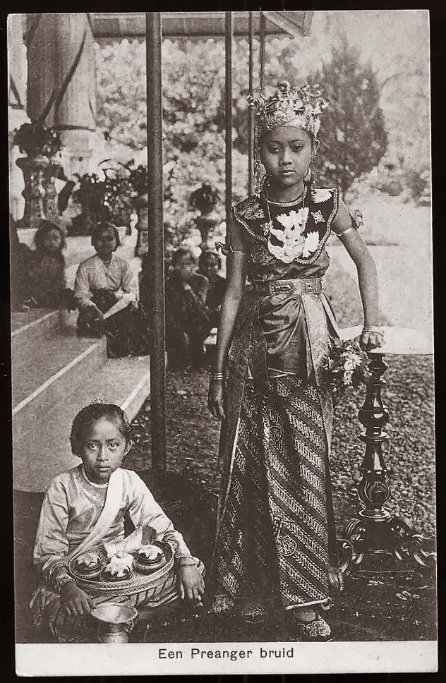 Priyangan Bride ~ West Java ~ Indonesia ca 1906