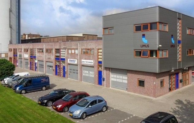 Moderne en representatieve bedrijfsruimte met kantoorruimte te huur in Zevenbergen! Meer weten? Bel 085-4013999.  #bedrijfsruimte #kantoorruimte #bedrijf #kantoor #Zevenbergen #Campagneweg #Huurbieding #Huurbieding.nl #NoordBrabant #Brabant #Nederland #NL #ondernemers #gezocht #vastgoed