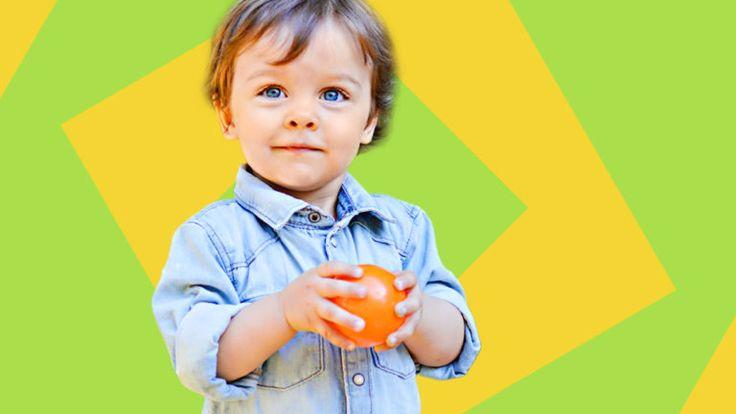 Balltreiben ist ein Spiel für Kinder ab 4 Jahren. Ziel des Spiels ist es, als Erster einen großen Ball mit kleinen Bällen aus dem Kreis zu schießen.