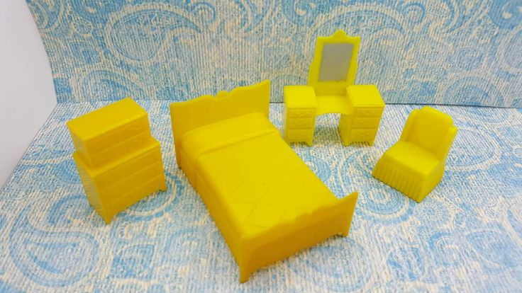Marx Yellow Bedroom Traditional 4 Piece Dollhouse Toy Furniture Hard Plastic Art Deco