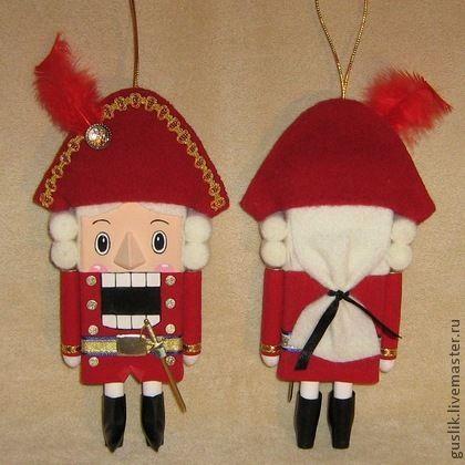 Сказочные персонажи ручной работы. Ярмарка Мастеров - ручная работа Щелкунчик игрушка кукла. Handmade.