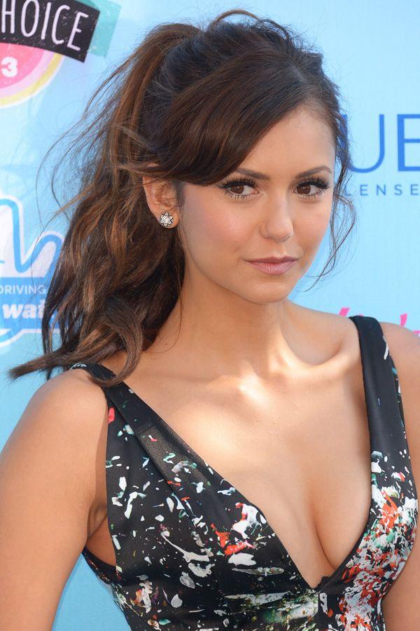 Nina Dobrev: Teen Choice Awards August 2013. Beachy summer ponytail.