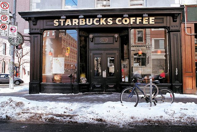 Starbucks | Toronto Mielummin Tim Horton's mut Starbuks käy myös... :)