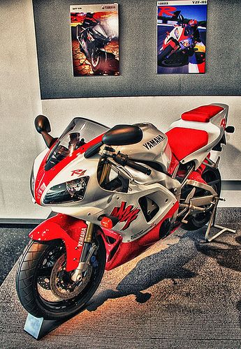 YAMAHA_YZF-R1-98    By motocroquis