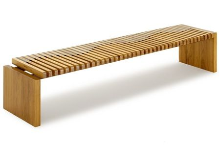 The Onda Bench is made of reclaimed Peroba wood with details in Braúna.