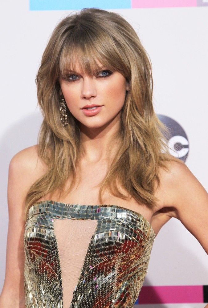 Taylor Swift AMA's 2013/ just me, or is she trying to be like Stevie Nicks???