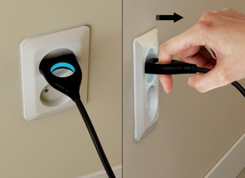 Universal Plug by Seungwoo Kim » Yanko Design. This works well for people who have trouble pinching with their fingers.