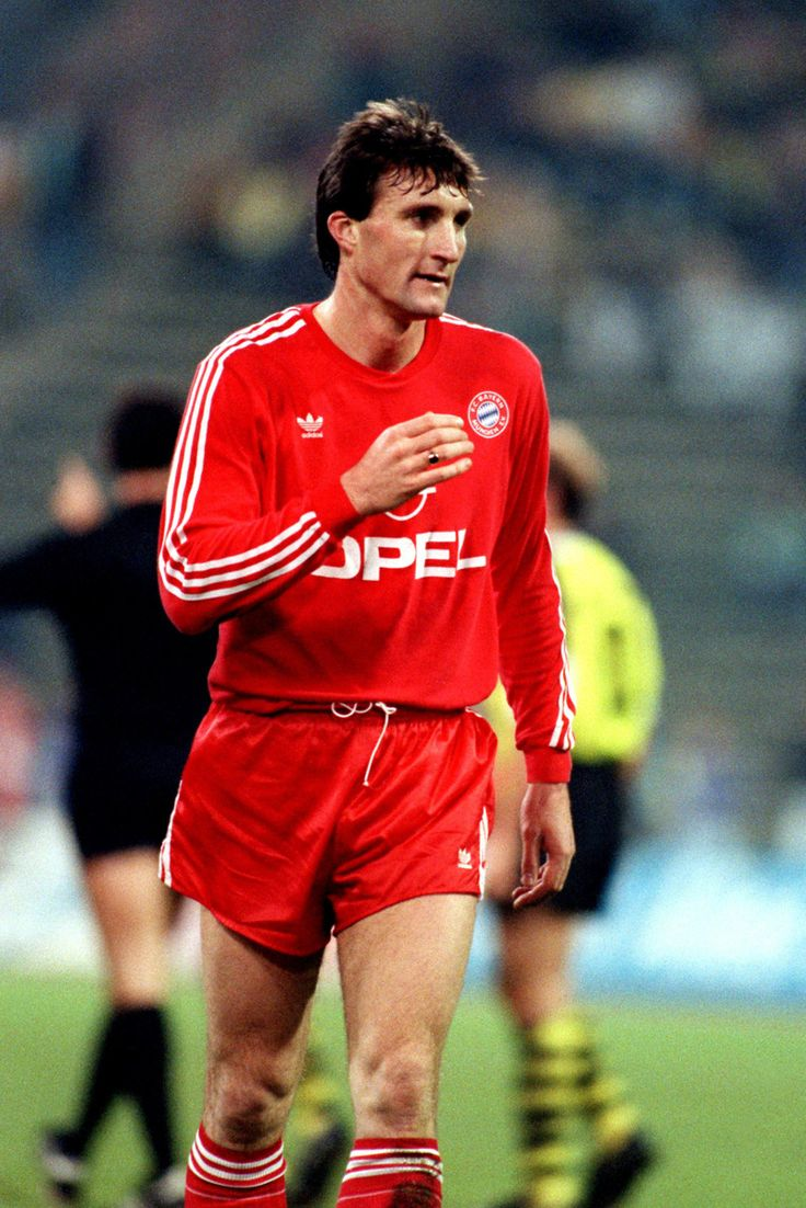 Alan McInally with Bayern Munich.