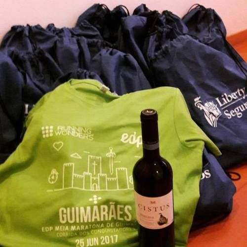Já temos os kits, eu vou e tu?  TheTree Team  #euvou  #cercigui #Guimarães #TheTree2017 #TheTreewellness #TheTreeTeam  #edprunningwonders2017 #omelhorcircuitodesempre #meiamaratonadeguimarães #corridadosconquistadores (em The Tree)