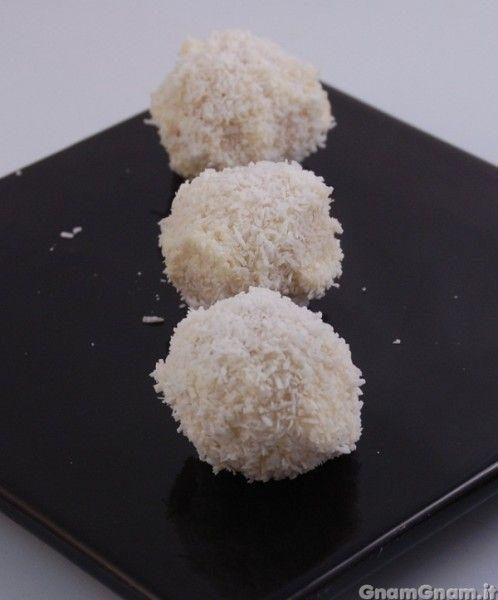 • Raffaello - Le ricette di GnamGnam - Ricette con foto passo passo