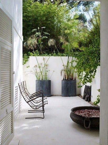 Beton Terrasse Preis Der Preis Pro M2 Und Installation Von Einem Professionellen In 2020 Garden Design Minimalist Garden Small Garden Design