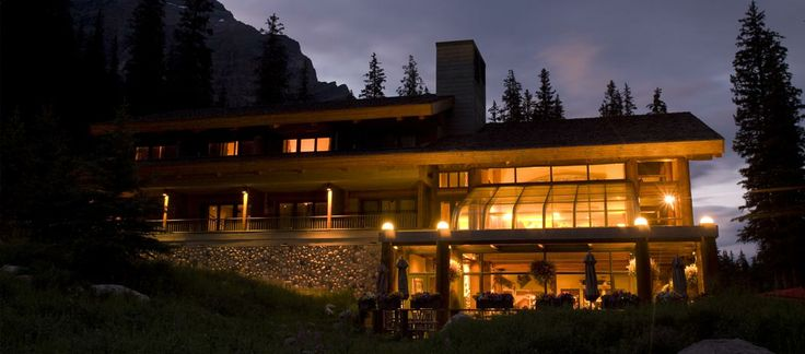 Moraine Lake Lodge - Banff