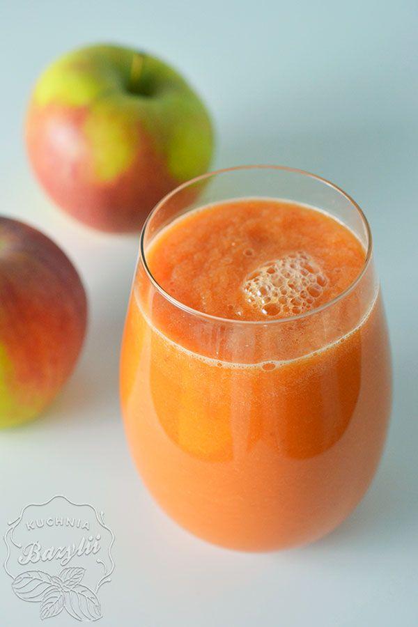 Dziś w roli głównej koktajl jabłkowo-marchewkowy.Dla niektórych ta wersja może być zbyt wytrawna poprzez goryczkę zielonej herbaty,polecam zatem dodać miód.