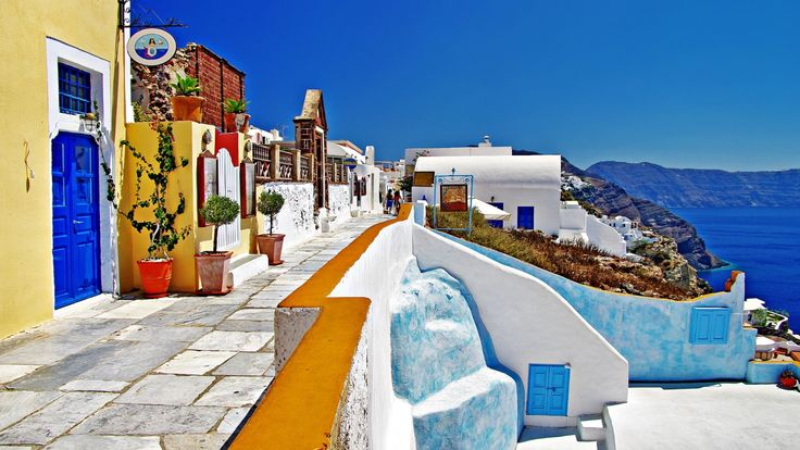 Puissance colorée de la Grêce ! #croisiere #voyage #croisierenet.com #IlesGrecques #Grêce  #croisièreméditerrannée