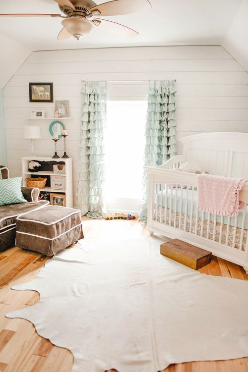 Jennifer Lee | Baby Girl Nursery Rustic Barn This is what we're going for...similar to this room!