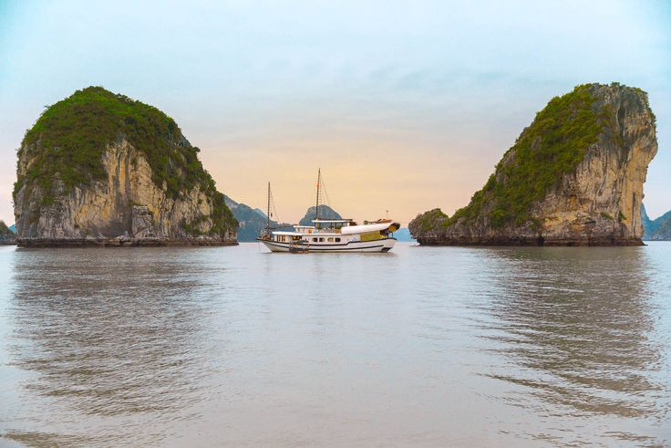 IndoChina Chunk Bai Tu Long Bay