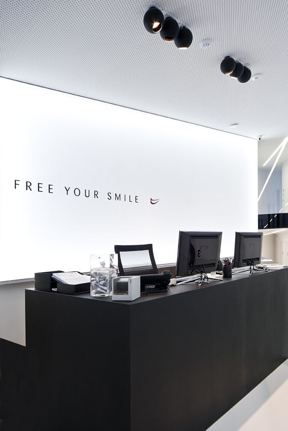 FREE YOUR SMILE  <<<   12-25('s) black MAT#DARK    DENTIST OFFICE #concept  [WAUTERS] #project BE