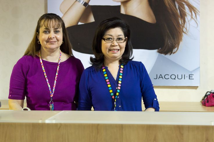 The staff at Jacqui E work hard to ensure you walk out happy and confident with your outfit choice! https://www.facebook.com/DFOJindaleeQLD