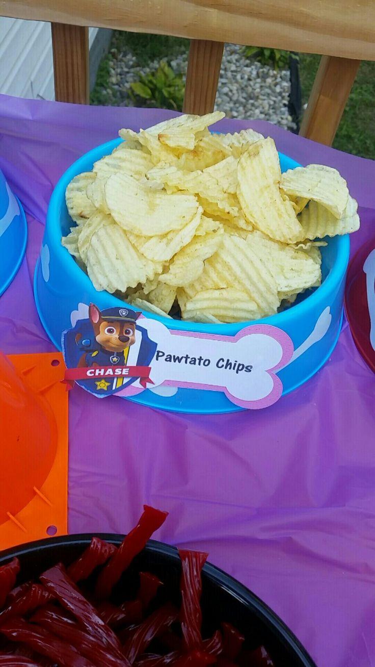 Divertida idea para aperitivo de una celebración de cumpleaños de Paw Patrol.