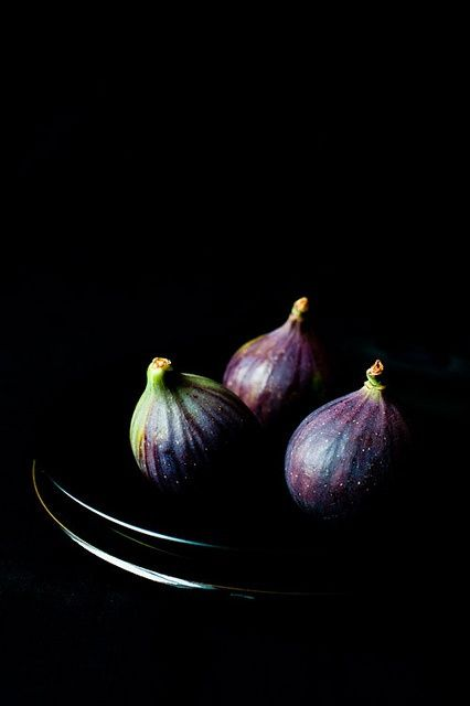 Food Style . Dark / Figs