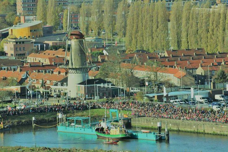 19nov Sinterklaas in de haven van Spijkenisse