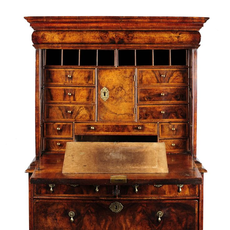 William & Mary burred walnut escritoire - Millington Adams