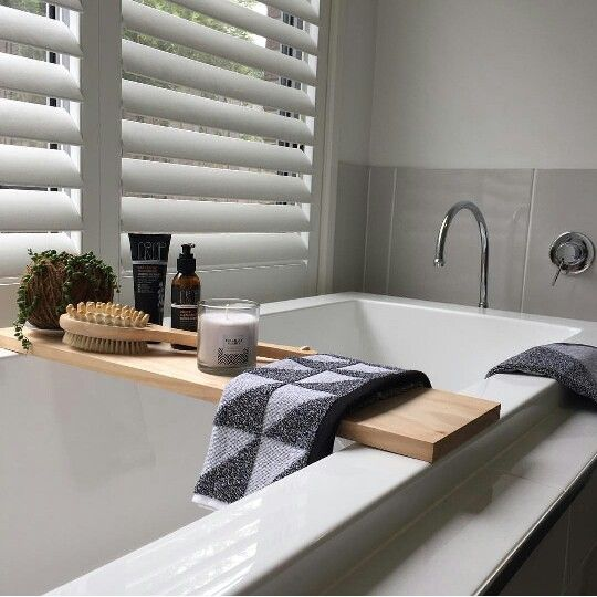 love this beautiful bathroom idea