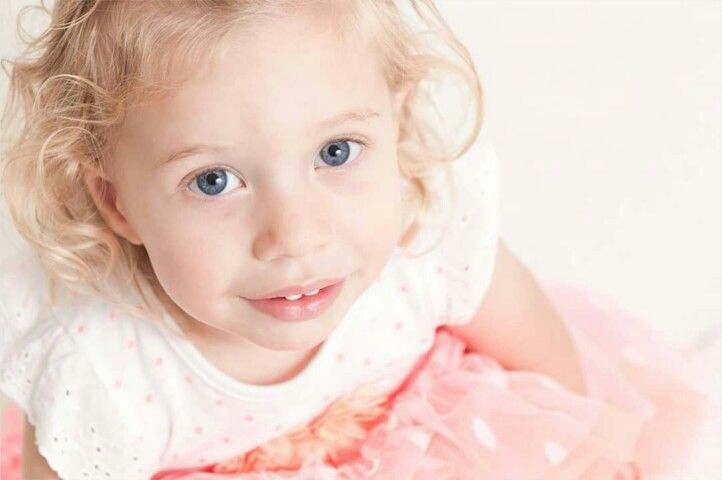 Love this beautiful 2 year old portrait by Willow Creek Studio
