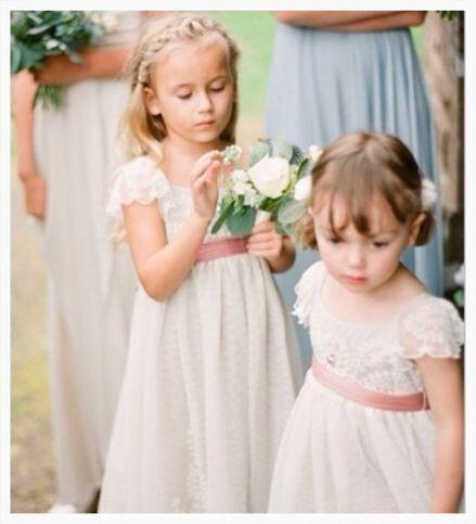 Cute flower girl dresses!